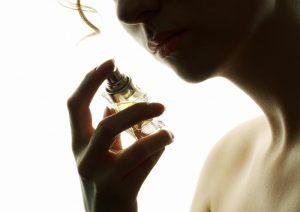 Um frasco de perfume nunca está vazio.